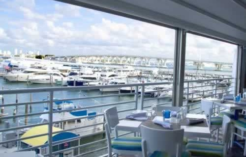 doubletree-hilton-grand-hotel-biscayne-bay-waterfront-dining