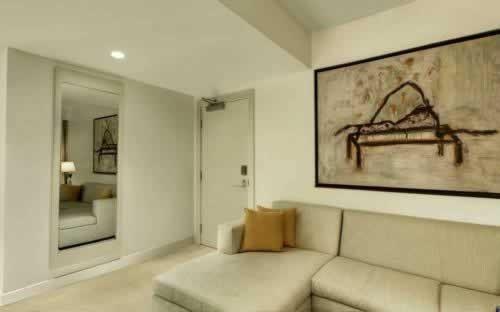 epic-miami-kimpton-hotel-living-suite