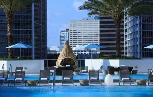 epic-miami-kimpton-hotel-pool-4