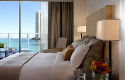 epic-miami-kimpton-hotel-waterfront-bedroom