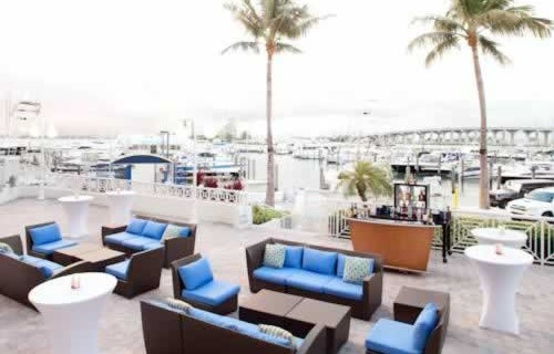 miami-marriott-biscayne-bay-out-door-waterfront-lounge