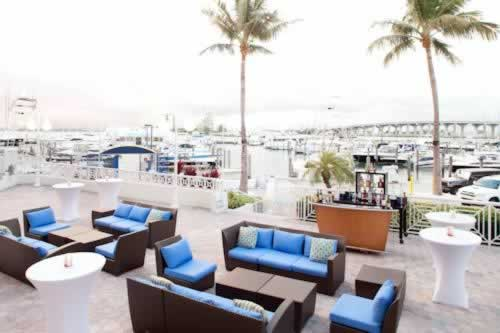 Miami Marriott Biscayne Bay Out Door Waterfront Lounge