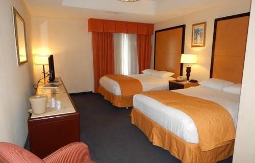 river-park-hotel-suites-bedroom