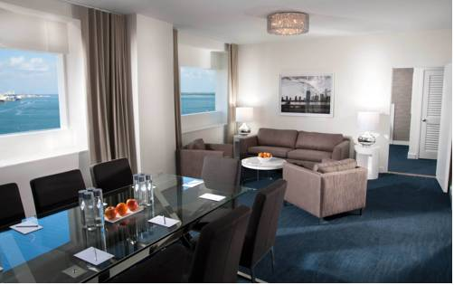 Yve hotel miami cruise port miami for Hotels with 2 bedroom suites in miami